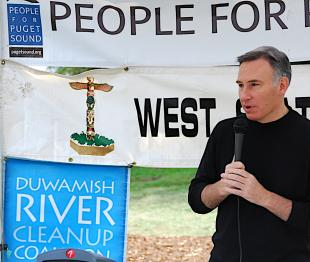 SLIDESHOW: Duwamish Alive! cleans up the Duwamish and dedicates boat launch and bench
