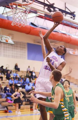 SLiDESHOW: Chief Sealth pulls out close win over Roosevelt 54-51