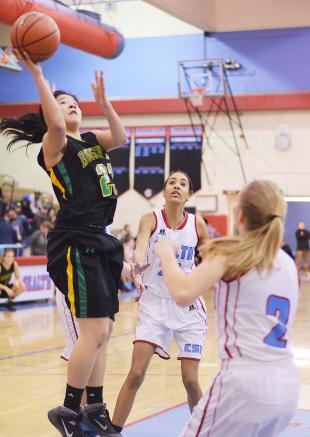 SLIDESHOW: Bad first half drags down Ladyhawks for a loss to Roosevelt 54-36