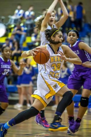 SLIDESHOW: West Seattle girls continue winning streak against Garfield 55-39